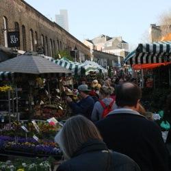 Beliebter Blumenmarkt in London