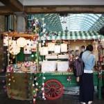 Marktstand mit Kunst