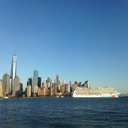 Kreuzfahrtschiff vor New York