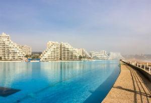 Blick auf Pool in San Alfonso Del Mar