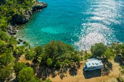 Wohnmobil an der Küste Kroatiens